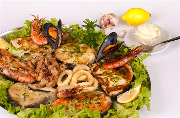 Seafood Lunch for Two in Seville