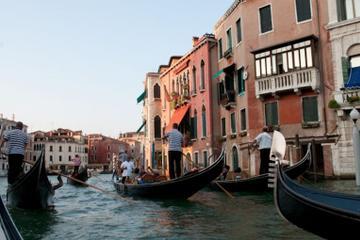 Walking tour and a gondola ride