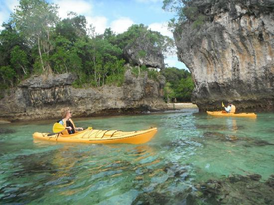 Canoe tour to Ifira island