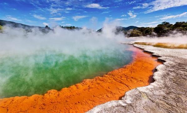 Wai-O-Tapu Geothermal park