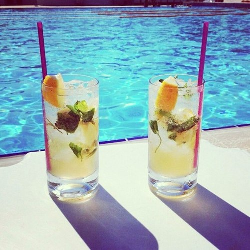 Drinks na piscina / drinks by the pool