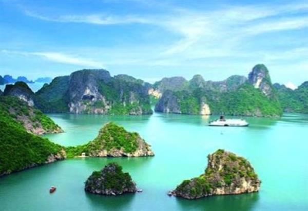 Overnight cruise Halong Bay