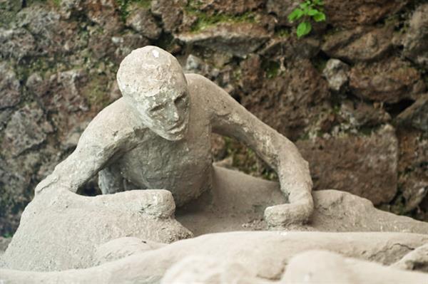 Pompeii & Vesuvius Day Tour