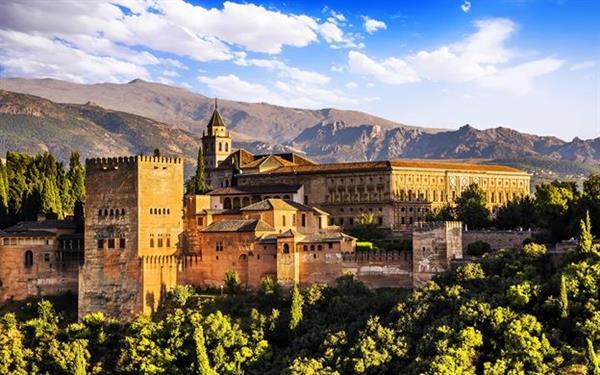 Alhambra Palace Tour - Granada