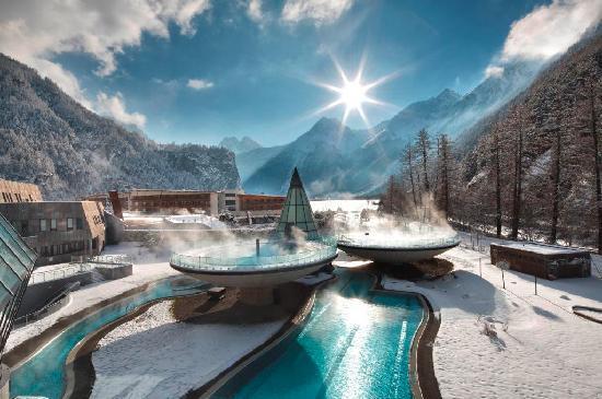 Couples massage at Aqua Dome Tirol Therme Laengenfeld