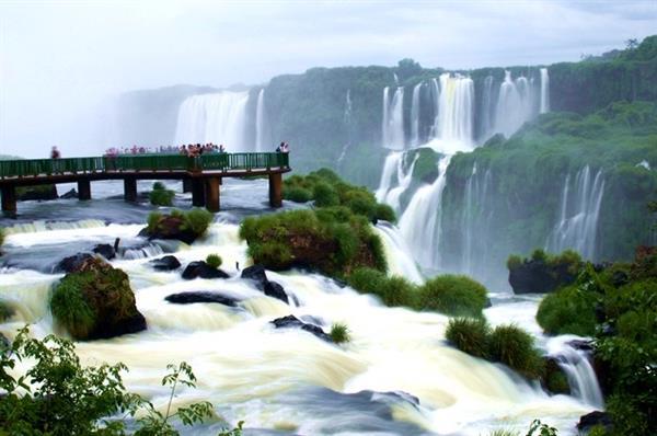 Iguassu Falls Tour and Hotel