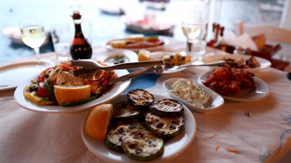 Dinner at Amoudi Port
