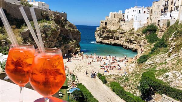 Aperitivo Hour on the Amalfi Coast