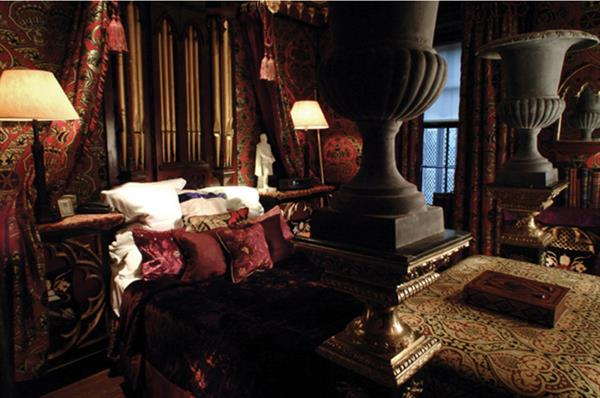The Heriot suite at The Witchery by the castle