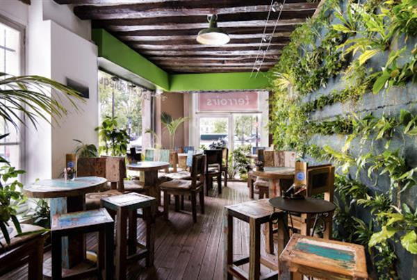 Brunch at The Caféothèque of Paris,