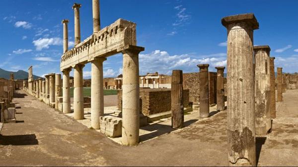 Entry to Pompeii