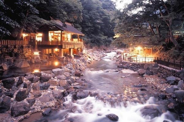 2 nights accommodation at Takaragawa Onsen Ousenkaku