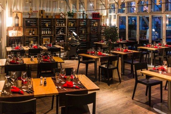 Meating Restaurant & Bar
