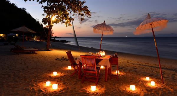 Candle Light Beach Dinner