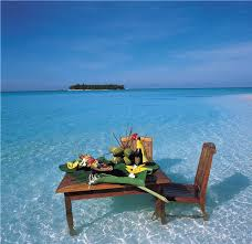 Maldives - Beachside Breakfast