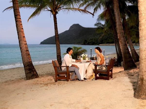 Romantic dinner for two on the beach!