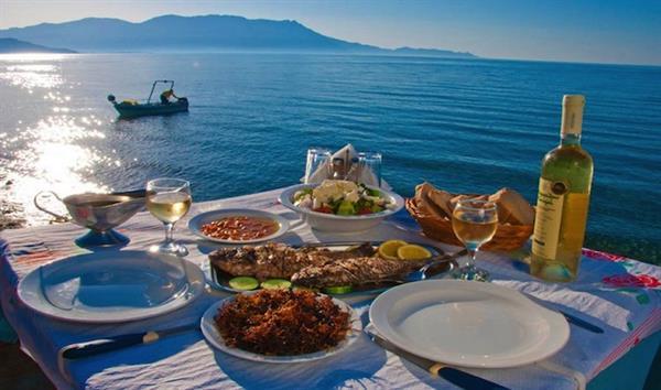 Long lunch, Greece