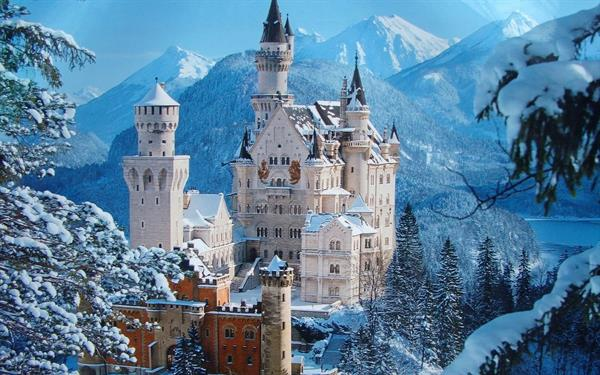 Neuschwanstein and Linderhof castle day tour