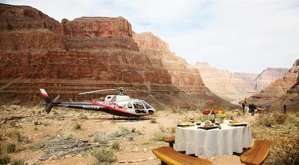Luxury helicopter experience over the grand canyon