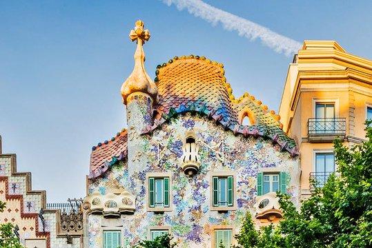 A tour of Gaudi's Casa Batlló + Museum