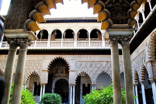 A tour of the Alcazar of Seville