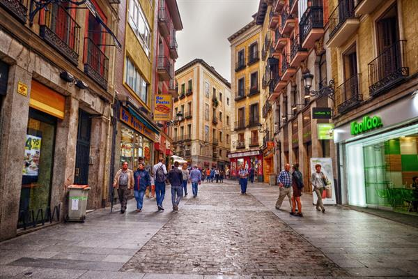 History & Food walking tour in old town Madrid