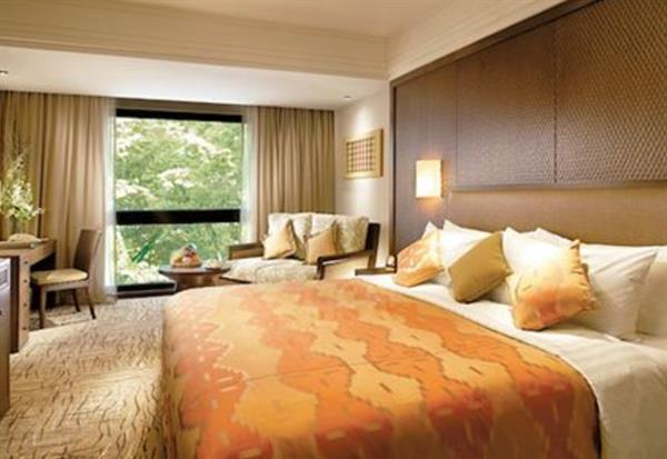 Accommodation - Shangri-La superior room for 1 night