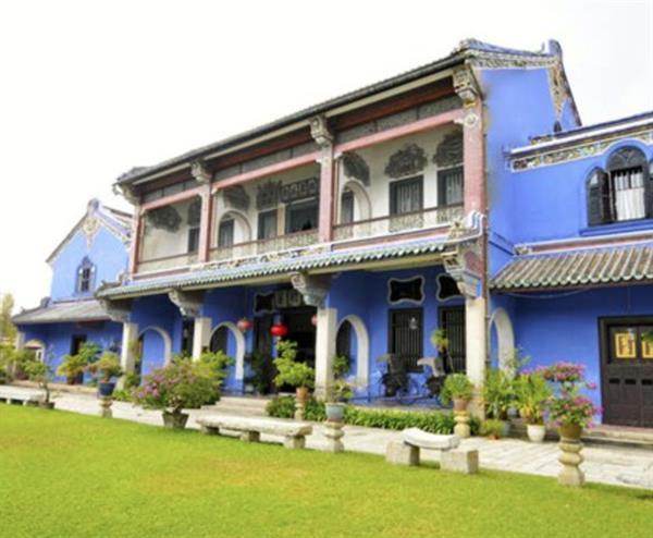 Pinang Peranakan Mansion + Blue Mansion tour