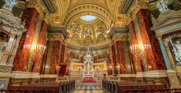 A tour and concert in St Stephen's Basillica