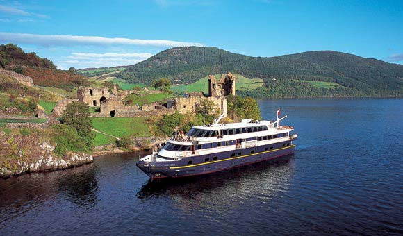 Loch Ness Cruise and Urquhart Castle