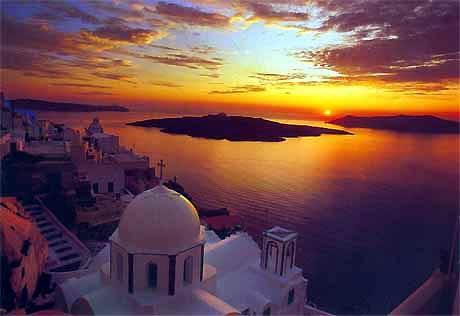 A nights accomodation in Santorini