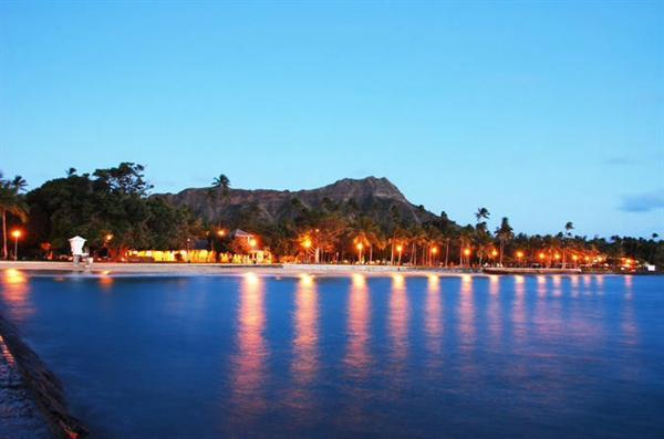 Oahu Sunset Dinner Cruise