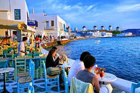 Drinks in Mykonos