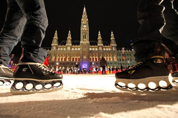 Ice skating and mulled wine in Vienna