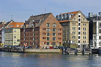 Accomodation at 71 Nyhavn Hotel