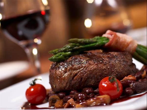 Steak & Red Wine