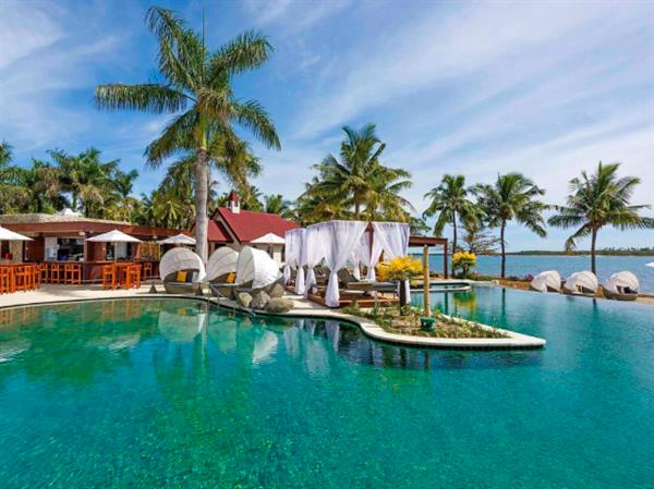 Flights & Accommodation for Five Nights in Fiji