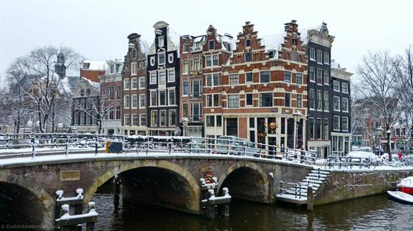 Flights from Istanbul to Amsterdam