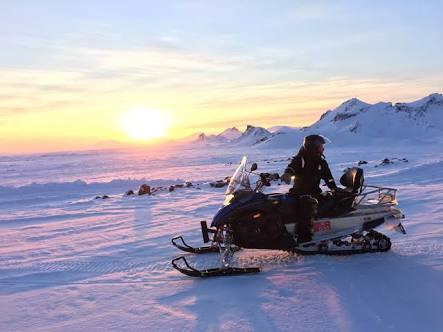 Langjökull Glacier Snowmobile Tour
