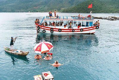 Full-Day Nha Trang Fishing Tour and Island BBQ