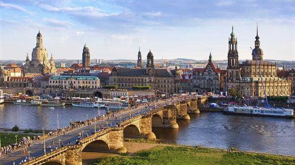 A Night in Dresden