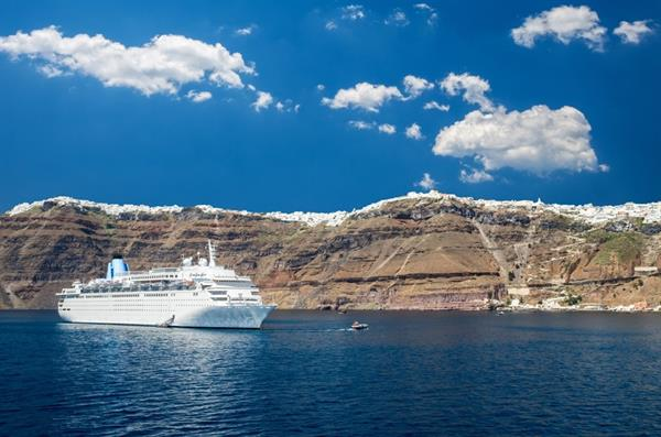 High Speed Ferry from Athens to Santorini