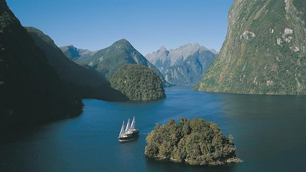 Doubtful Sound Overnight Cruise