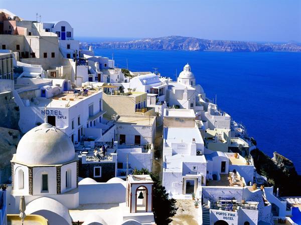 2. Santorini - Accommodation