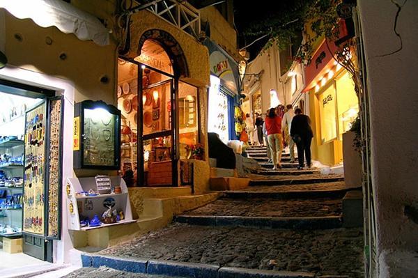 2. Santorini - Souvenir Shopping