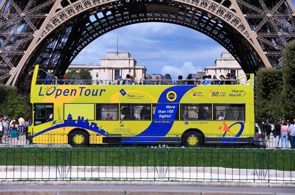 Hop on Hop Off Paris Day Tour