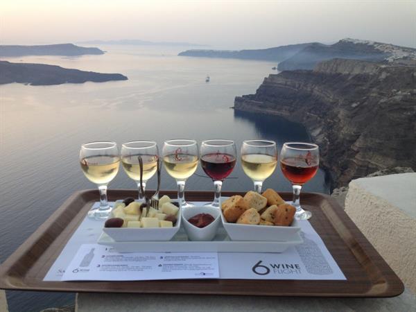 Winery tour in Santorini- each