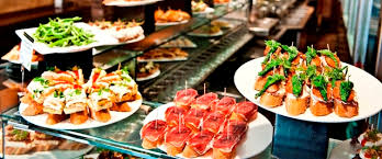 An afternoon of wine and pintxos (tapas) in Barcelona