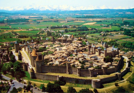 1 NIGHT IN CARCASSONNE