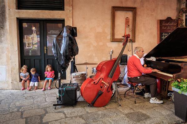 Drinks at Jazz Cafe Troubadour (Dubrovnik)